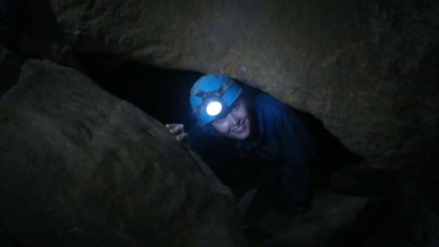 O caving é feito no escuro