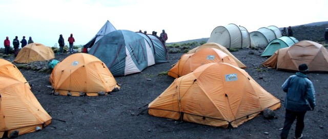 Acampamento Kilimanjaro. Já imaginou o frio?