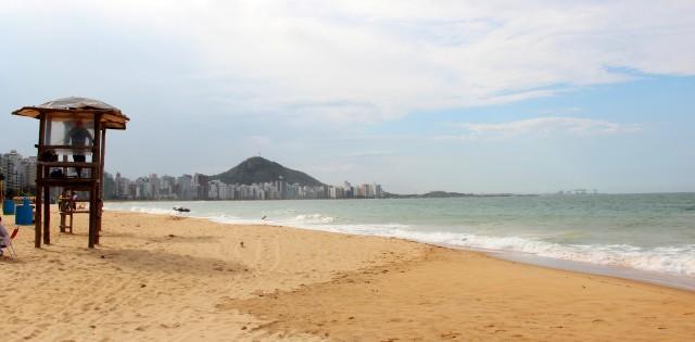"Praia ""Beverly Hills"" em Vila Velha"