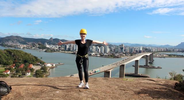 Preparada para o Rapel no Morro do Moreno em Vila Velha