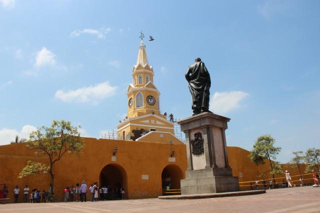 Plaza del Reloj - a principal praça da cidade onde tudo acontece