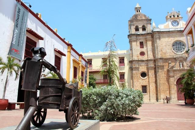 Na frente da Catedral San Pedro Claver
