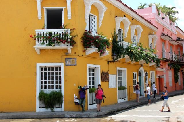 Linda arquitetura em Cartagena. Tudo sempre florido!