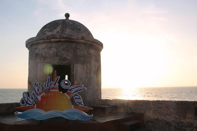 Café del Mar na Muralha de frente para a praia