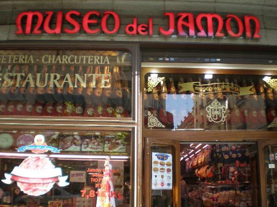 Fachada do museo del jamon