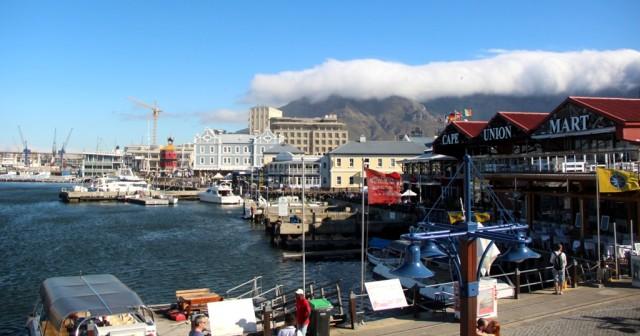 Watertown, zona portuária da Cidade do Cabo cheia de restaurantes e lojas legais