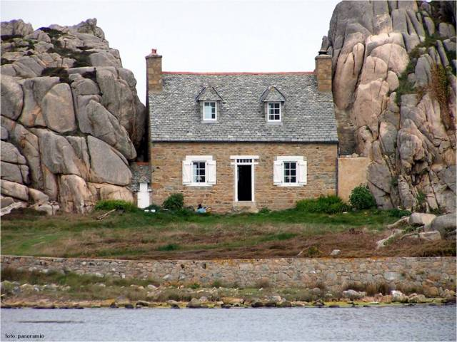 casa-entre-pedras