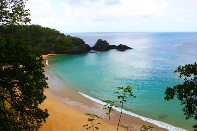 Olhando a Praia do Sancho de cima!