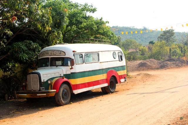 Ônibus parado em São Jorge.
