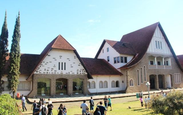 Fachada do Museu Histórico de Londria: influência inglesa