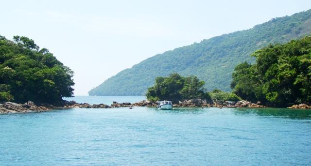 Lagoa verde em Angra