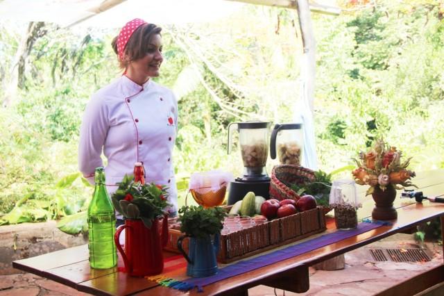 Oficina sobre sucos verdes na Chácara Marabú