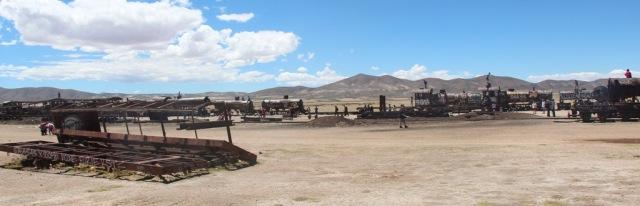 Panorâmica com parte dos trens do Salar de Uyuni