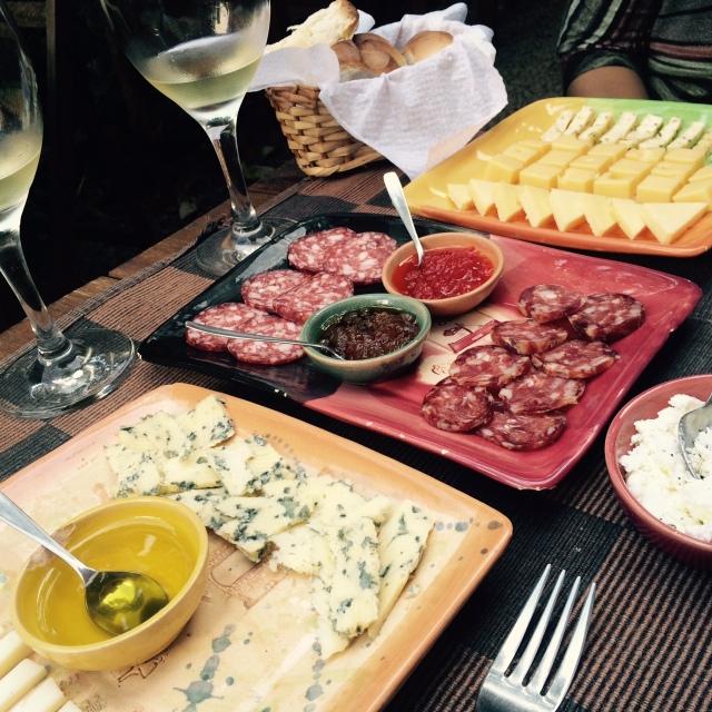 Queijos e vinhos no El Buen Suspiro