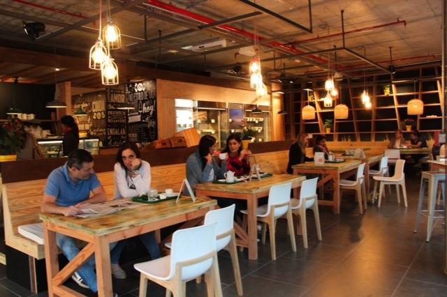 Café Camélia, na Calle 21 de Setiembre