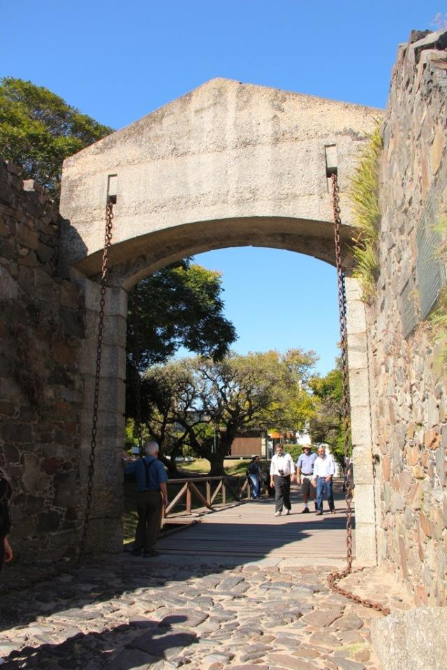O antigo Portão de Armas.