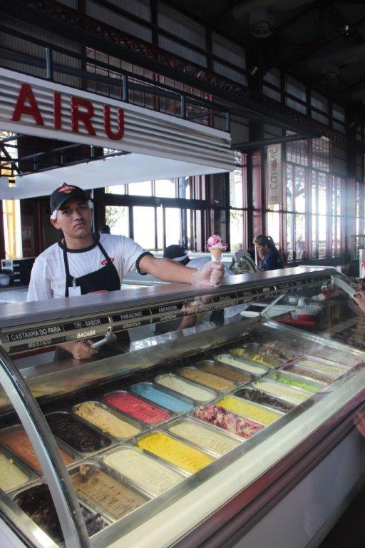 Vários sabores diferentes na Sorveteria Cairu