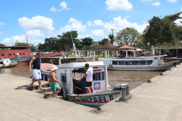 Esse é o barquinho que tem que pegar na Praça Princesa Isabel para chegar aos restaurantes ribeirinhos