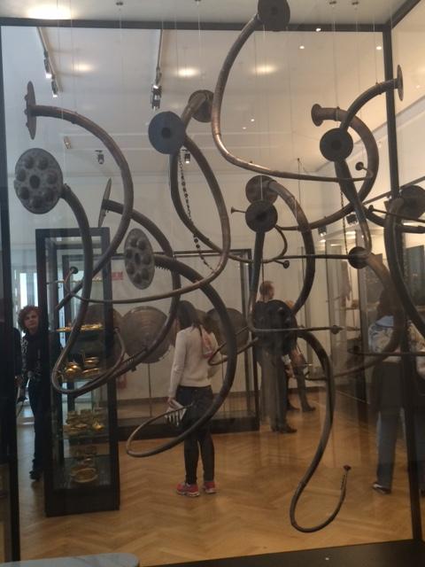Esse é um instrumento da Idade do Bronze chamado Lurs. Curioso, não?