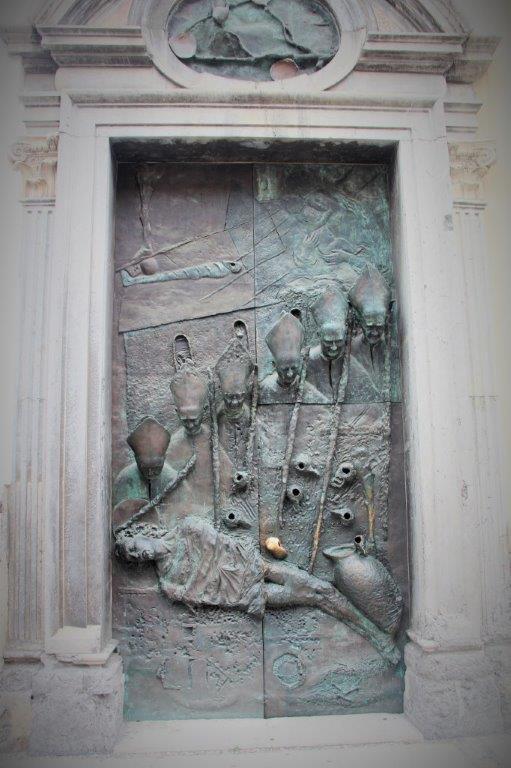 porta-catedral-liubliana
