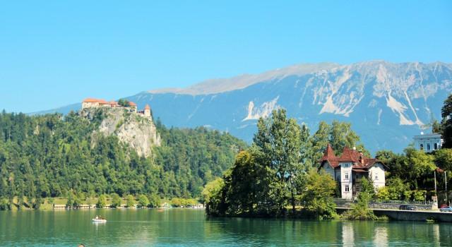 O castelo e a igreja de Bled