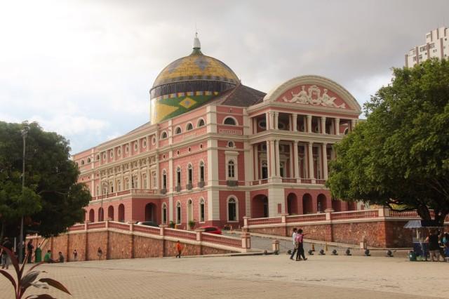 fachada-teatro-amazonas